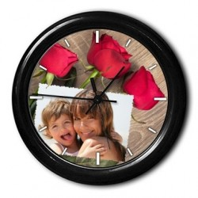 Horloge ronde bordure avec fleurs