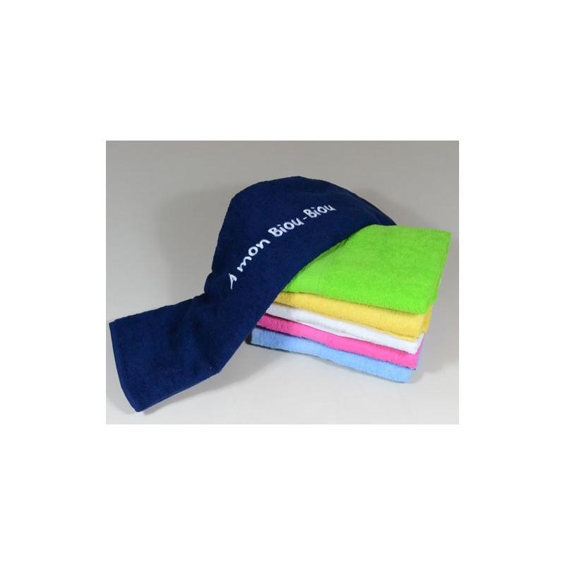 serviette bain colorée avec broderie texte