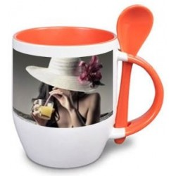 Mug orange et sa cuillere
