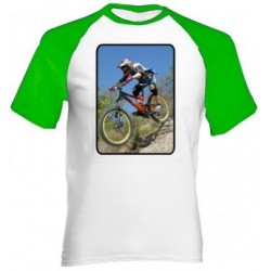 Tee shirt manches vertes photo